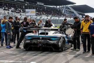 Roy crasht hard in sprintrace tijdens WSR op Le Mans + Video